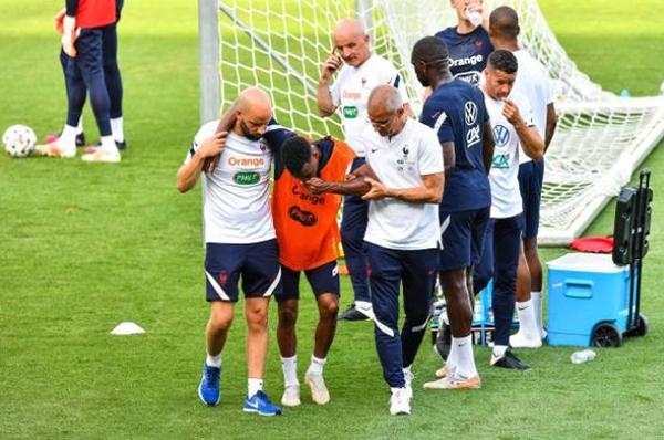 Thêm 2 ca chấn thương, ĐT Pháp lao đao trước trận gặp Thụy Sĩ - Bóng Đá