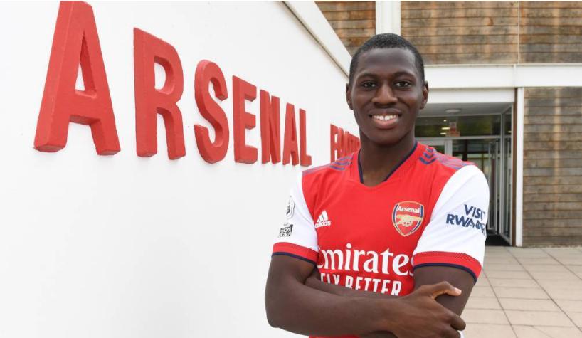 Arsenal ký hợp đồng với cầu thủ đa năng 18 tuổi - Bóng Đá
