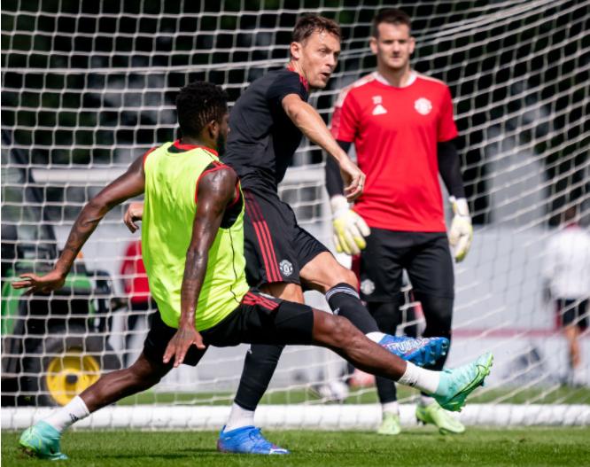 Fred spotted back in Manchester United training - Bóng Đá