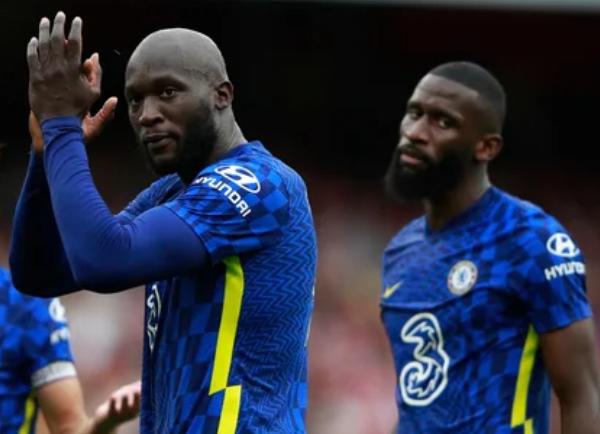 CĐV Chelsea rơi nước mắt trước hành động bất ngờ của Rudiger với Lukaku - Bóng Đá
