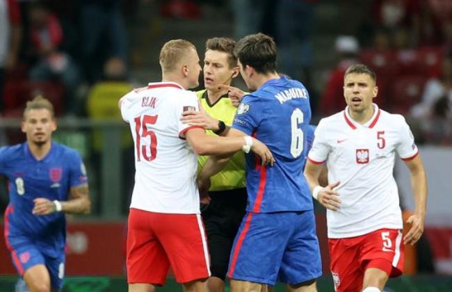 4 điều có thể bạn bỏ lỡ trận Ba Lan 1-1 Anh: Hỗn chiến; Kỷ lục của Kane - Bóng Đá