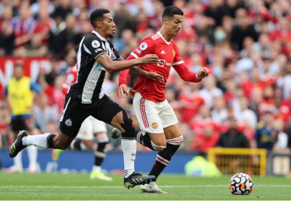 3 quyết định đúng đắn và 1 sai lầm của Solskjaer trận thắng Newcastle - Bóng Đá
