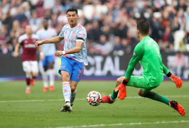 TRỰC TIẾP West Ham 1-1 Man Utd (H2): Ronaldo bỏ lỡ cơ hội - Bóng Đá