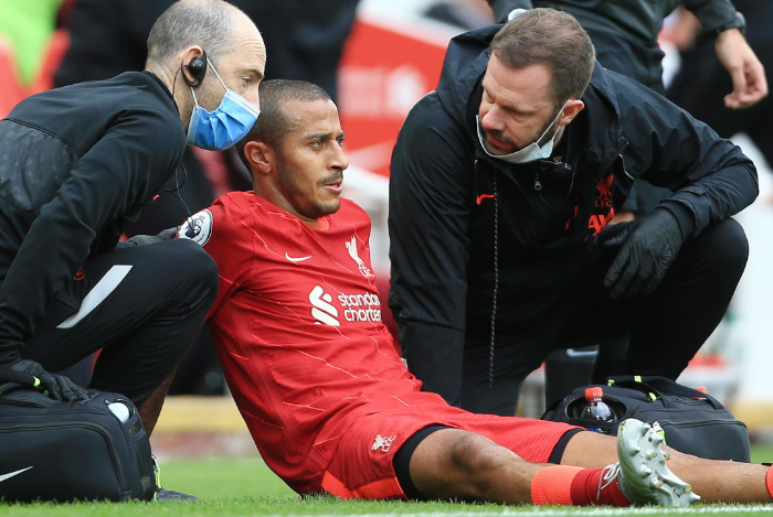 Lực lượng Liverpool đấu Porto: Cú hích hàng tiền vệ, 2 cái tên OUT - Bóng Đá