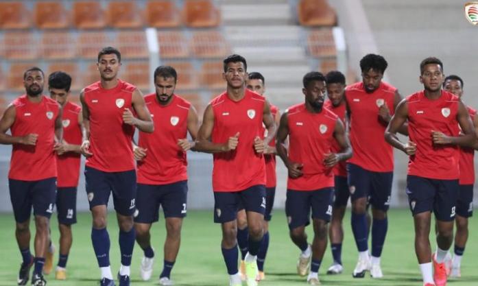 """""""Oman gánh chịu áp lực lớn ở trận gặp ĐT Việt Nam"""""""