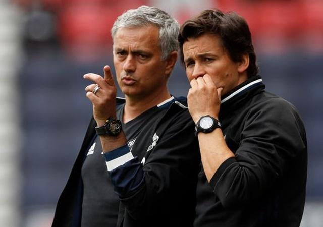 NÓNG: Ban lãnh đạo Man Utd lo sợ Mourinho