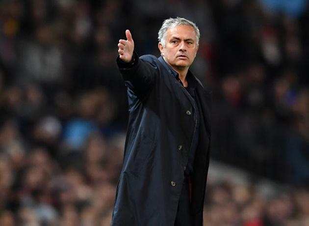 'Mọi thứ đã kết thúc với ông ấy (Mourinho) rồi' - Liam Brady - Bóng Đá