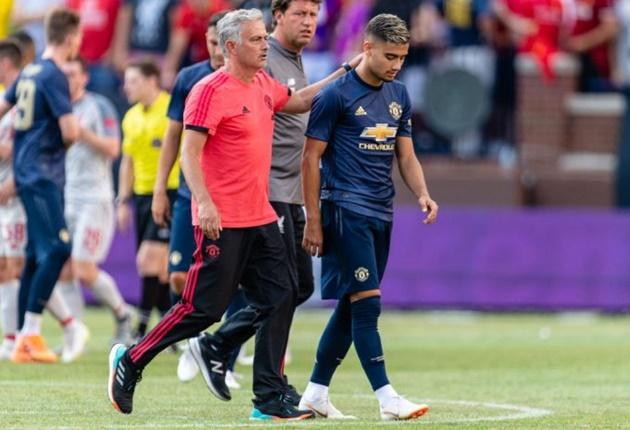 Mourinho có sai lầm khi