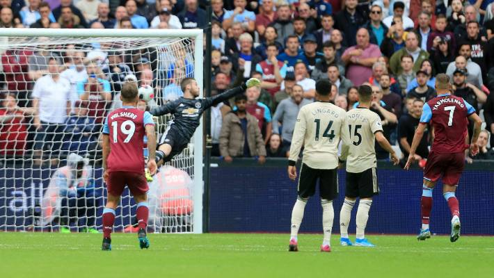 Roy Keane questions David de Gea 'character' after West Ham defeat - Bóng Đá
