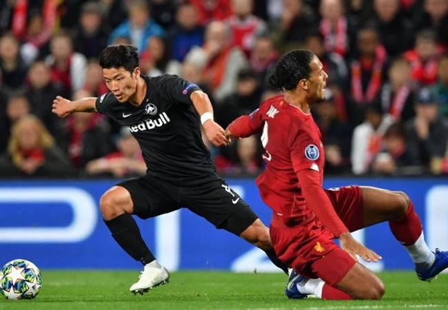 Cầu thủ Hàn Quốc biến Van Dijk thành 'gã học việc' - Bóng Đá
