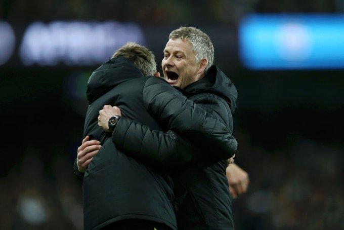 Manchester United fans hail Ole Gunnar Solskjaer for defeating both Guardiola & Mourinho within three days - Bóng Đá