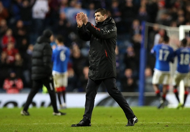 Liverpool legend Steven Gerrard aims dig at Man Utd when comparing rivalry to Old Firm derby - Bóng Đá