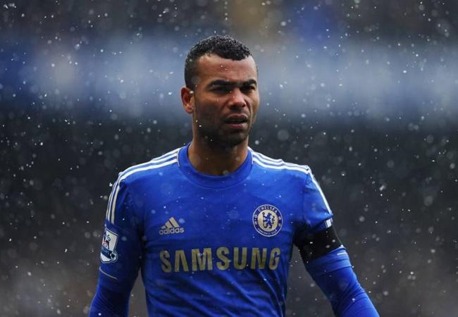 Ashley Cole admits he could have handled Arsenal-Chelsea transfer saga better - Bóng Đá