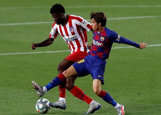 Lionel Messi và đồng đội bị mục tiêu của Arsenal 'càn quét' ra sao? - Bóng Đá