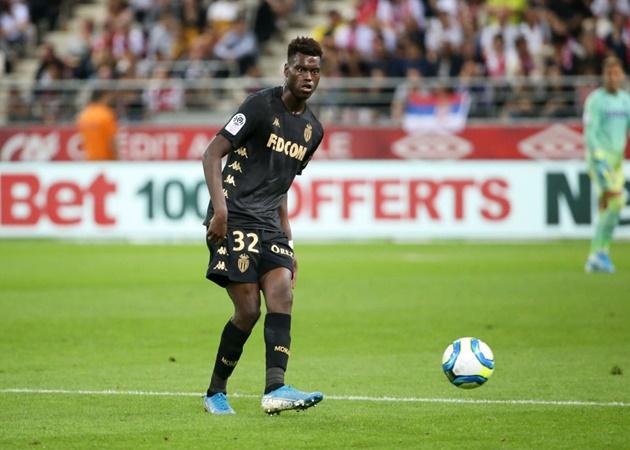 Manchester United 'in talks with Monaco over Benoit Badiashile' - Bóng Đá