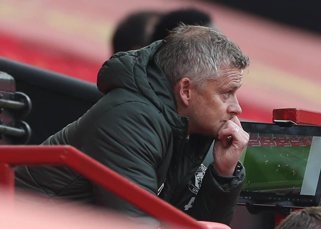 Roy Keane blasts 'disgraceful' Manchester United players and warns Ole Gunnar Solskjaer he will lose his job - Bóng Đá