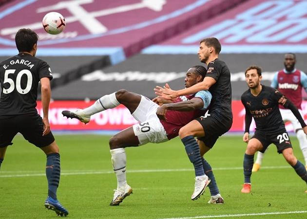 10 hình ảnh ấn tượng ở vòng 6 EPL: Maguire 'đấu vật'; Siêu phẩm Rooney tái hiện - Bóng Đá