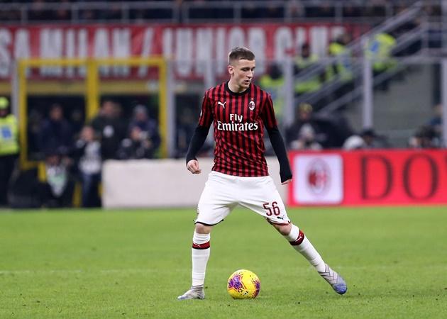 'Siêu trung vệ' và Ibra: Đội hình chất lừ giúp AC Milan lên đỉnh Serie A - Bóng Đá