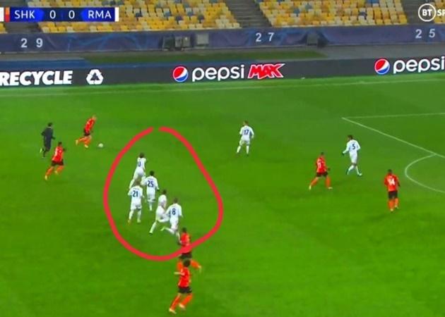 Real sa sút thảm hại: Điều gì đang xảy ra với Zidane và 'nhà vua'? - Bóng Đá