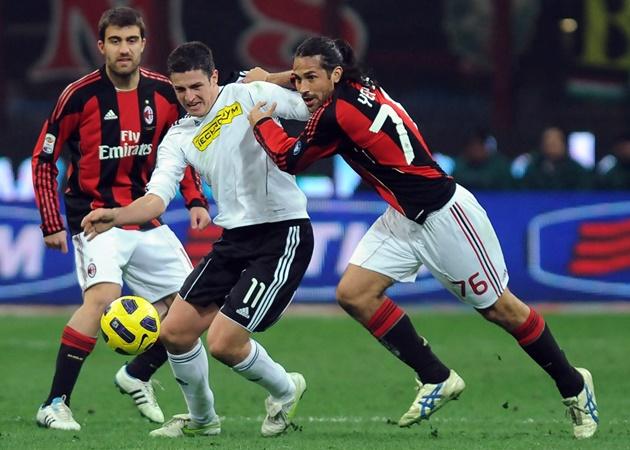 Từ 'tiểu Zidane' tới Torres: 10 bản hợp đồng 'thảm họa' của AC Milan - Bóng Đá