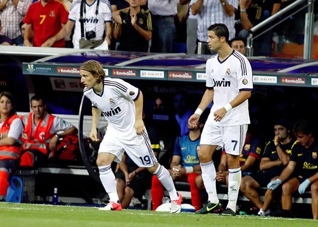 Từ Modric đến Suarez: 10 chữ ký tưởng thảm họa nhưng lại 'hóa chaos' - Bóng Đá