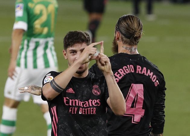 Fede Valverde rejoins Real Madrid squad in training - Bóng Đá