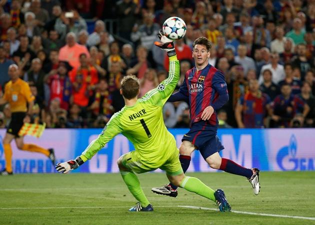 CR7 bùng nổ và 'báu vật' Bayern: 10 màn 'gánh team' khiến cả châu Âu choáng ngợp - Bóng Đá