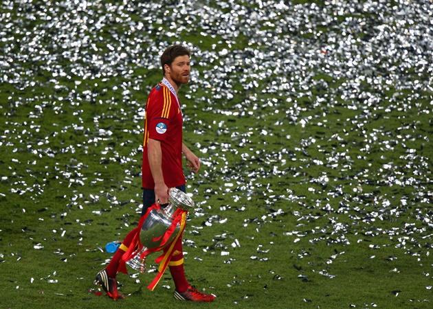 Từ Kroos đến Iniesta: 10 tiền vệ 'đỉnh cao' nhất châu Âu thập kỷ qua - Bóng Đá