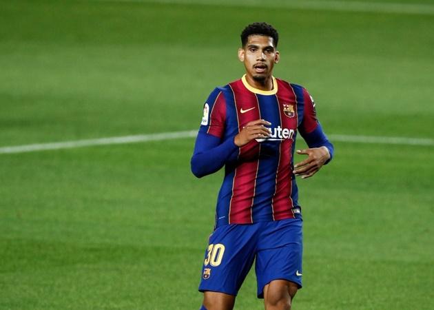 'Báu vật' hỗ trợ cho Messi, Barcelona sẵn sàng 'toàn diệt' Valladolid? - Bóng Đá
