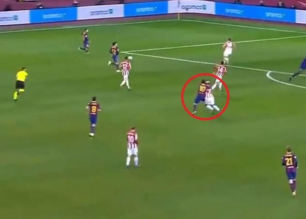 Ronald Koeman defends Lionel Messi after red card  - Bóng Đá