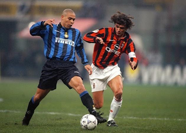 Từ Kaka đến Ronaldo: Đội hình kết hợp huyền thoại 'chất lừ' của 2 CLB thành Milan  - Bóng Đá