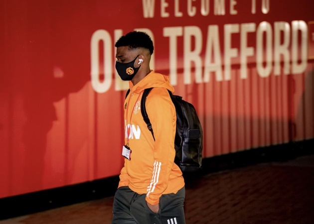 Amad Diallo reacts as he misses out on Man Utd debut in West Ham win - Bóng Đá