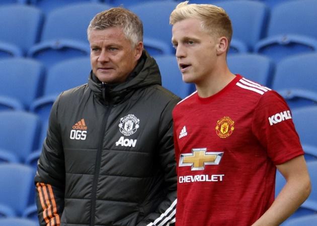 Muốn tồn tại ở Man Utd, Van de Beek hãy noi gương 'vua chia bài' - Bóng Đá