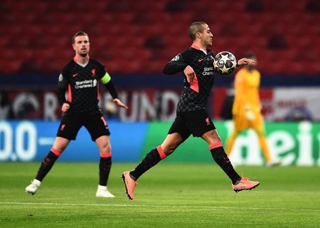 Arsenal legend Arsene Wenger reveals Jurgen Klopp's 'problem' with Liverpool midfielder Thiago - Bóng Đá