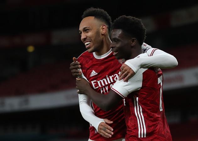 10 con số đặc biệt trận Arsenal 3-2 Benfica: 'Thánh gánh team' Saka - Bóng Đá