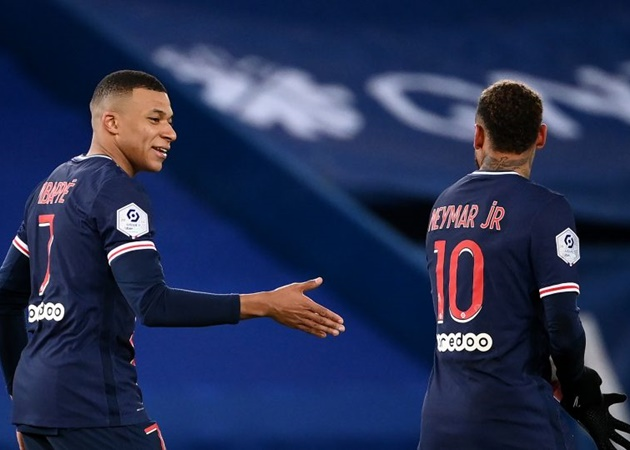"Leonardo [PSG] to  @francebleu : ""We are in talks with Kylian Mbappe & advancing - Bóng Đá"