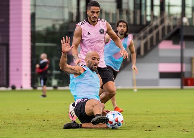 2 huyền thoại Man Utd có mặt, dàn sao Inter Miami 'máu lửa' trên sân tập - Bóng Đá