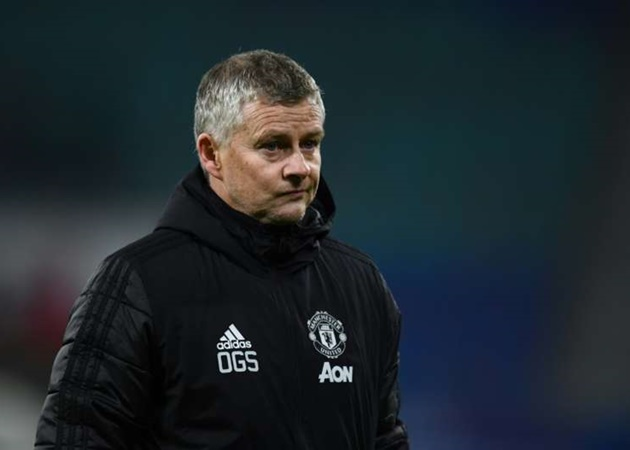 """He talks a lot"" – Manchester United midfielder discusses 'distrust' towards Ole Gunnar Solskjaer (Fred) - Bóng Đá"
