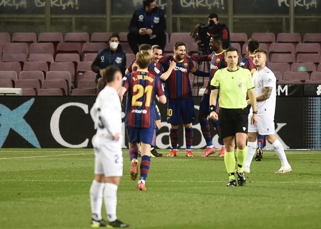 10 con số đặc biệt trận Barca 4-1 Huesca: 'Vị thánh' Lionel Messi - Bóng Đá