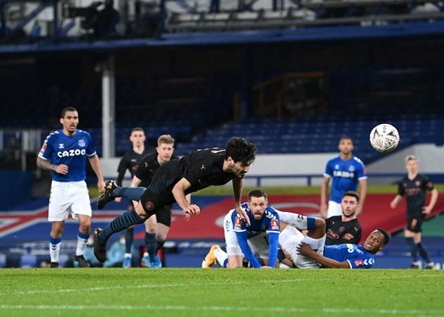 10 con số đặc biệt trận Everton 0-2 Man City: 'Siêu hậu vệ' thức tỉnh - Bóng Đá