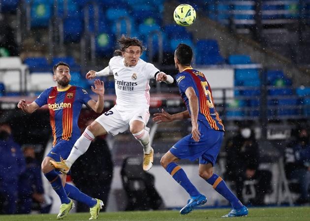 TRỰC TIẾP Real 2-0 Barca (H2): Griezmann thay Sergino Dest - Bóng Đá