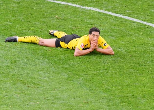 10 điểm nhấn bóng đá châu Âu tuần qua: Cú sốc Zlatan; ATM hụt hơi - Bóng Đá