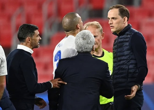 Thomas Tuchel accused of insulting Porto boss Conceicao as players clash after Chelsea's fiery Champions League win - Bóng Đá