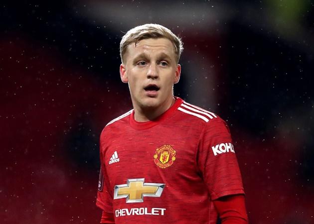 Dự bị ở Man Utd, Van de Beek bị đồng nghiệp nữ 'troll' cực gắt - Bóng Đá
