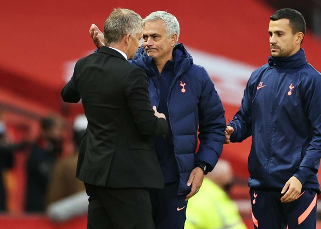 Cùng số trận dẫn dắt Man Utd, thế nhưng Ole hơn Mourinho ở điểm gì? - Bóng Đá