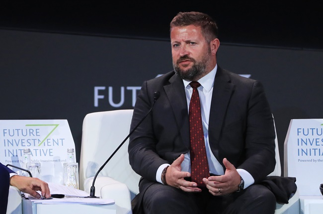 Richard Arnold, #mufc's group managing director, heads a list of three internal candidates to replace Ed Woodward as the club's most powerful executive. [guardian] - Bóng Đá