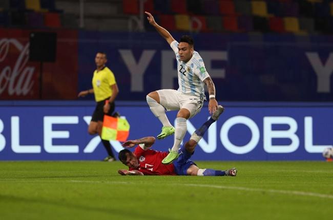Messi gọi - Sanchez trả lời, Argentina chia điểm Chile trên sân nhà - Bóng Đá