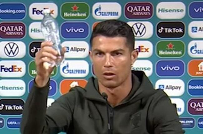 Cristiano Ronaldo outburst sees Coca-Cola lose $4BILLION in value as company responds to Portugal star - Bóng Đá