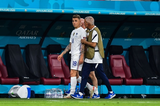 France's medical staff fear that Lucas Digne's Euros might be over with a hamstring problem. Tests tomorrow. - Bóng Đá