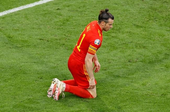 Bale bất lực, CĐV Wales khóc cạn nước mắt trong ngày chia tay EURO - Bóng Đá
